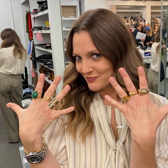 Drew holding rings