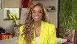 Tyra Banks Teaches Drew the Art of Smizing